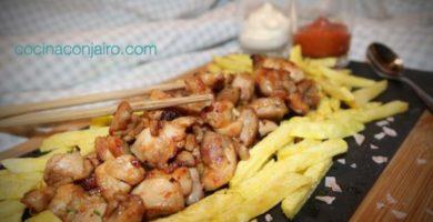 Pollo con patatas fritas. Receta simple, rápida y original